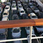 Coronavirus, situazione insostenibile nello Stretto di Messina: traghetti stracolmi di medici, infermieri e agenti delle forze dell'ordine [FOTO]