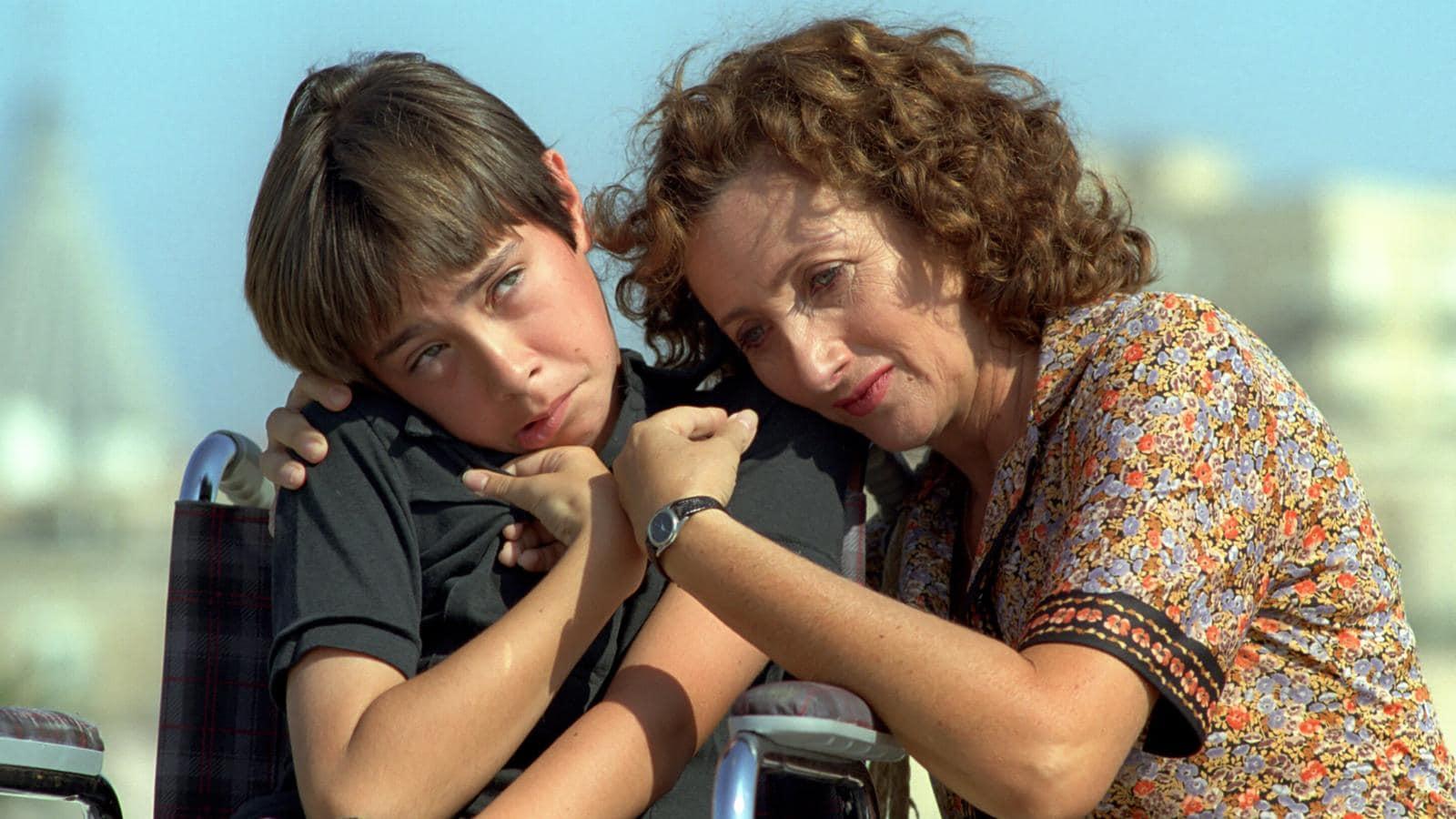 Il figlio della luna, trama e cast del film con Lunetta Savino