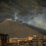 Inizia l'incubo degli incendi: decine di roghi in Sicilia alimentati dal forte vento di scirocco, alberi abbattuti e danni a Palermo [FOTO e VIDEO]