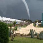 Maltempo, inizia il weekend di piogge e temporali: tornado tra Fiumicino e Ladispoli, nubifragi in Emilia Romagna [FOTO e VIDEO]