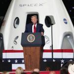 """Spazio, inizia l'era di Space X e Trump esalta Elon Musk: """"questo è solo l'inizio, entro 2024 prima donna sulla Luna e poi gli USA su Marte"""""""
