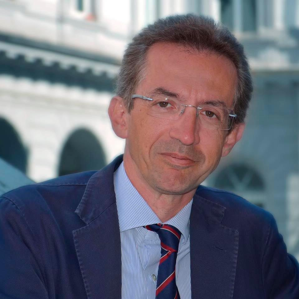 Ministro Gaetano Manfredi