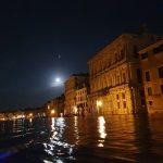 Ondata di maltempo in Veneto: allagamenti a Verona e grandine in Valpolicella, a Venezia torna l'acqua alta [FOTO]
