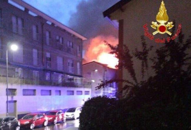 fulmine incendio milano