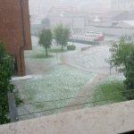 Maltempo Piemonte, fino a 150mm nel Verbano: intensa grandinata con acquazzone su Torino, città imbiancata [FOTO e VIDEO]