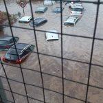 Maltempo, alluvione a Palermo: almeno 2 morti, auto ribaltate e trascinate via, città nel panico [FOTO e VIDEO]