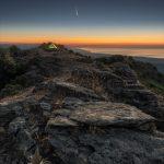 La cometa NEOWISE illumina la costa jonica della Calabria: le spettacolari immagini dall'Aspromonte [FOTO e VIDEO]