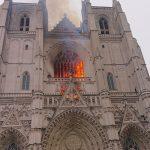 Francia, incendio a Nantes: distrutto l'organo della Cattedrale [FOTO e VIDEO LIVE]