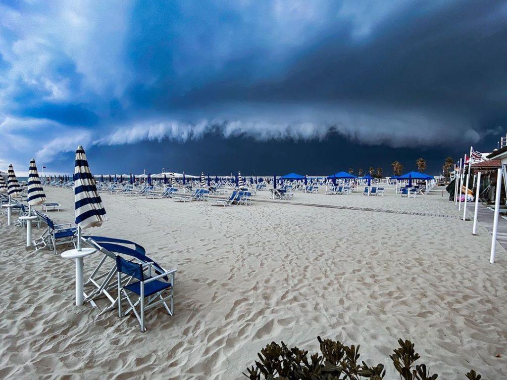 maltempo versilia tornado forte dei marmi estate 24 luglio 2020 (1)
