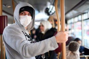 mascherina coronavirus bus