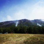 Gli incendi devastano L'Aquilano: dieci mezzi aerei e 220 uomini impegnati [FOTO]