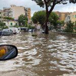 Maltempo, Messina in ginocchio dopo il nubifragio: enorme frana sulla Panoramica, si cercano eventuali dispersi [FOTO e VIDEO LIVE]