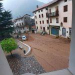 Maltempo, piogge torrenziali in Veneto: alluvione lampo a Solagna, strade come fiumi [FOTO, VIDEO e DATI]