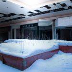 Un mondo sospeso, il Rolling Acres Mall: un centro commerciale ricoperto di neve in Ohio [FOTO]