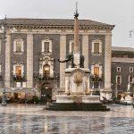 Maltempo in Sicilia, il temporale di Catania degenera: alluvione lampo in città, centinaia bloccati in auto. Tempesta anche su Malta [FOTO]
