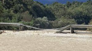 Alluvione in Piemonte crollato il ponte sul Sesia tra Romagnano e Gattinara