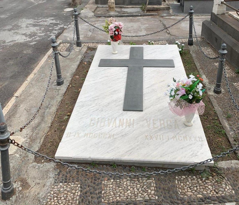 tomba Giovanni Verga
