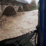 Maltempo Calabria, a Crotone cresce il fiume Esaro: fermi alcuni impianti idrici [FOTO]