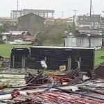 """Tifone Goni, landfall devastante nelle Filippine: raffiche fino a 310 km/h, condizioni """"catastrofiche"""" [FOTO e VIDEO]"""