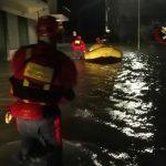 Maltempo Calabria, numerosi interventi tra Crotone e Cosenza: evacuazioni a Schiavonea, chiuso tratto sulla SS106 Jonica [FOTO]