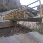 Maltempo incessante in Calabria: situazione ancora critica a Crotone, crolla ponte a Melissa [FOTO]