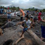 Tifone Goni, si aggrava il bilancio delle vittime nelle Filippine: nelle zone più colpite il 90% delle case è danneggiato [FOTO]