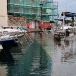 Maltempo Friuli Venezia Giulia, picchi di 129mm e forte vento di Bora: mareggiata e acqua alta a Trieste e Muggia [FOTO]