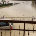 Maltempo Veneto, altri 173mm di pioggia oggi: allerta per il Bacchiglione, esonda roggia Caveggiara, allagamenti diffusi a Vicenza [FOTO]