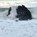 Maltempo Liguria, neve fin sulla costa e mareggiate: danni nell'Imperiese, chiusi il lungomare di Ventimiglia e Bordighera [FOTO]