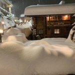 Maltempo Lombardia, pioggia battente e nevicate in Valtellina: punte di 72mm, alto rischio valanghe [FOTO]