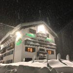 Maltempo Veneto, 180cm di neve a Misurina: crolla provinciale ad Auronzo di Cadore [FOTO]