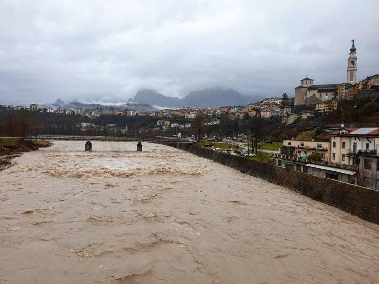 La piena del fiume Piave a Belluno