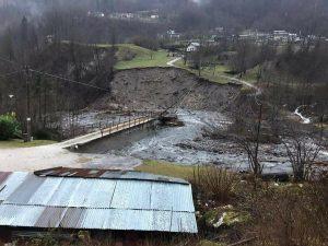 ponte crollato veneto gosaldo
