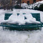 """""""Insieme verso il domani"""", a Milano una speciale scultura di neve per augurare a tutti un futuro luminoso [FOTO]"""