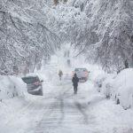 Forte tempesta di neve negli USA: a New York più neve che in tutto lo scorso inverno, due morti in Pennsylvania [FOTO]