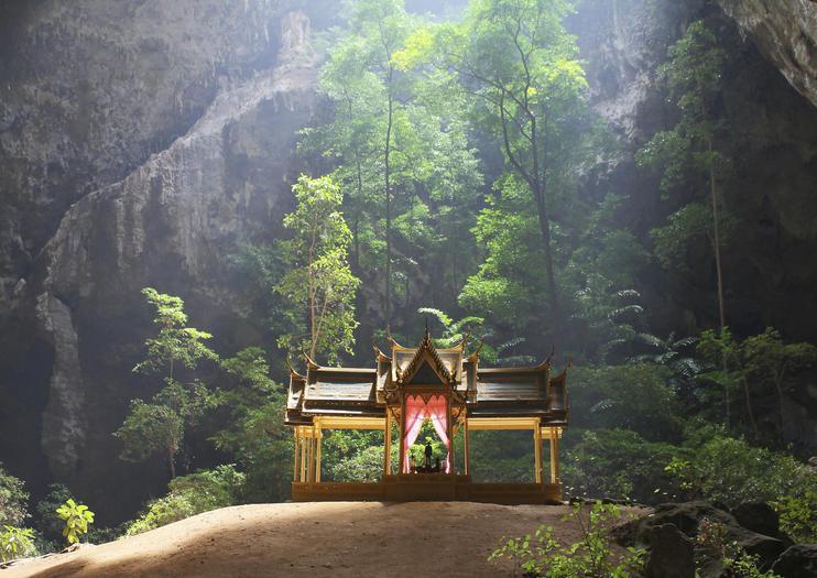 tempio khao sam roi yot