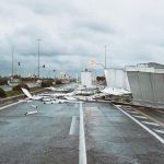 Maltempo Lazio, forte vento e mareggiata ad Ostia: cabine spazzate via, forti piogge sulla regione [FOTO e VIDEO]