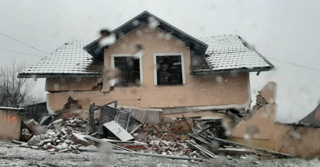 terremoto neve petrinja