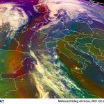 Etna, la nuvola di cenere generata nella notte ha lambito Palermo e adesso è su Toscana, Corsica e Sardegna