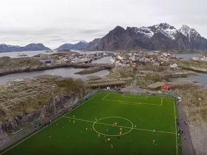 Henningsvr-Stadion