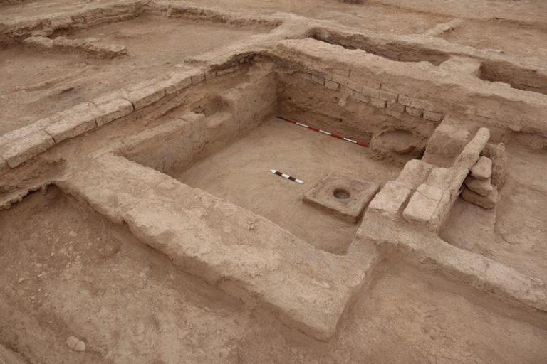 Scavi archeologici a Shahr-i Sokhta, la Pompei d'Oriente. Foto Università del Salento / Ansa