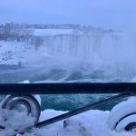 Ondata di freddo estremo in USA: il gelo trasforma le Cascate del Niagara in un maestoso spettacolo di ghiaccio [FOTO e VIDEO]