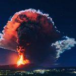 Eruzione Etna, il vulcano è inquieto: notte di colate laviche e tremore vulcanico [FOTO]