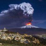 """Eruzione Etna, quali sono gli scenari attesi? Secondo gli esperti INGV """"non è possibile escludere fenomeni più energetici"""""""