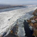Meteo, ancora gelo in Polonia: punte di -18°C, le suggestive immagini del fiume Odra congelato a Gozdowice [FOTO]