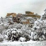Maltempo, Grecia sferzata da neve e vento: temperature fino a -19°C, almeno 3 morti [FOTO]