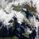 Meteo, la neve copre tutto l'Appennino e i Balcani: ultime ore di freddo ma da domani torna il caldo [FOTO]