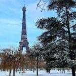 Maltempo, gelo e nevicate in Francia: -6°C in una Parigi imbiancata, disagi per il traffico e le scuole chiuse [FOTO]