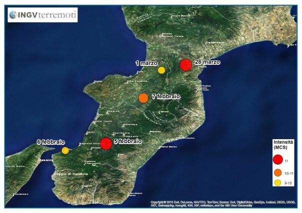 I cerchi colorati corrispondono agli epicentri dei 5 terremoti più forti della lunga sequenza sismica del 1783 (5 febbraio, 6 febbraio, 7 febbraio, 1 marzo e 28 marzo). Il colore e le dimensioni dei cerchi indicano la massima intensità osservata Imax (Fonte: CPTI11).