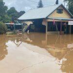 Meteo, piogge torrenziali in Australia: fiumi esondati e case sommerse dall'acqua, tornado rade al suolo case a Sydney. Migliaia di evacuati [FOTO]